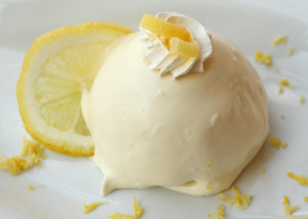 Lemon Delight (<em>Delizia al Limone</em>), sponge lemon cake filled and topped with a smooth lemon custard, a traditional recipe of the Amalfi Coast